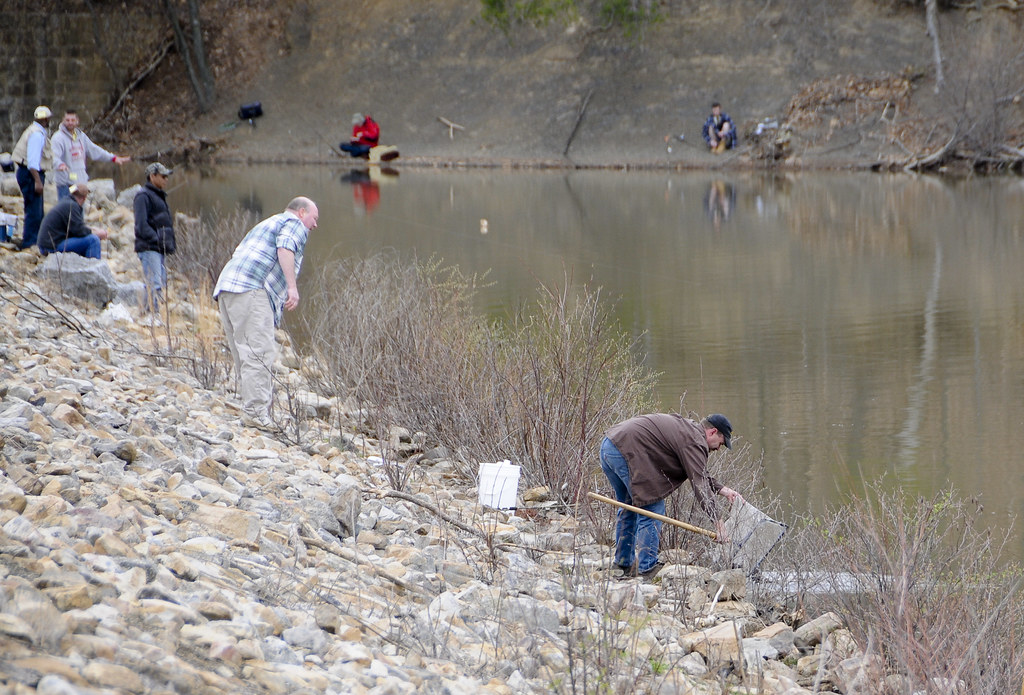 Stocking marquette lake at fort indiantown gap fort for Pa fish stocking