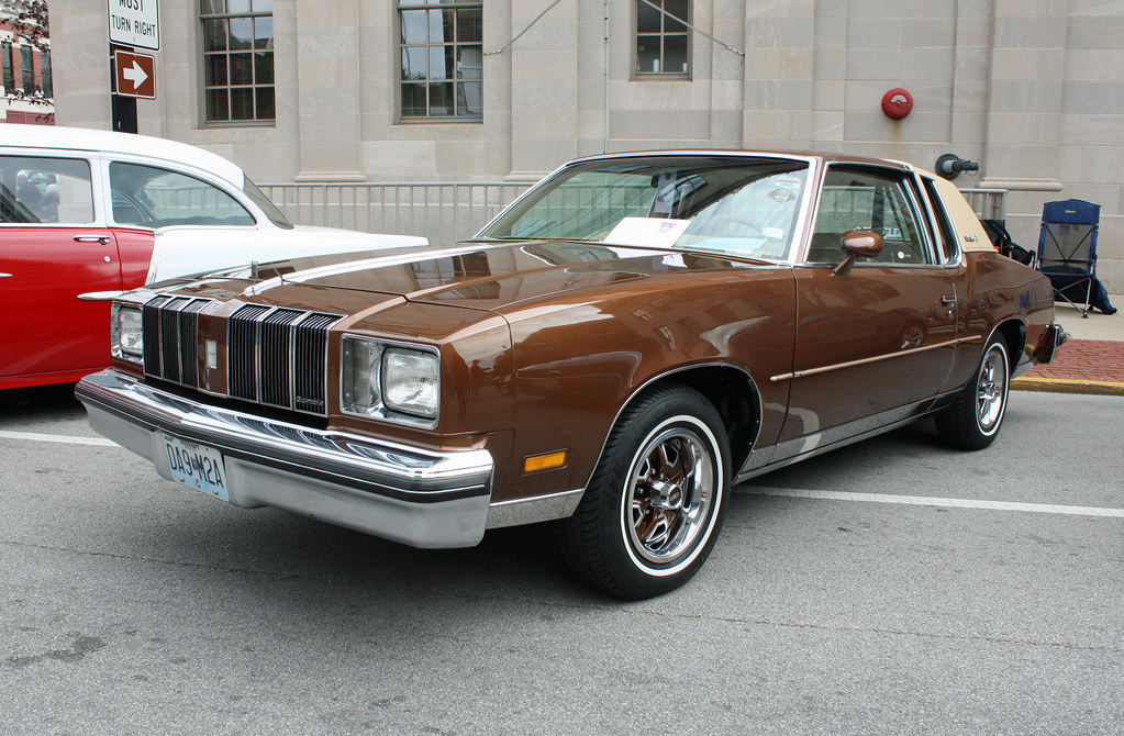 1978 Oldsmobile Cutlass Supreme Brougham 2 Door Coupe 2 O