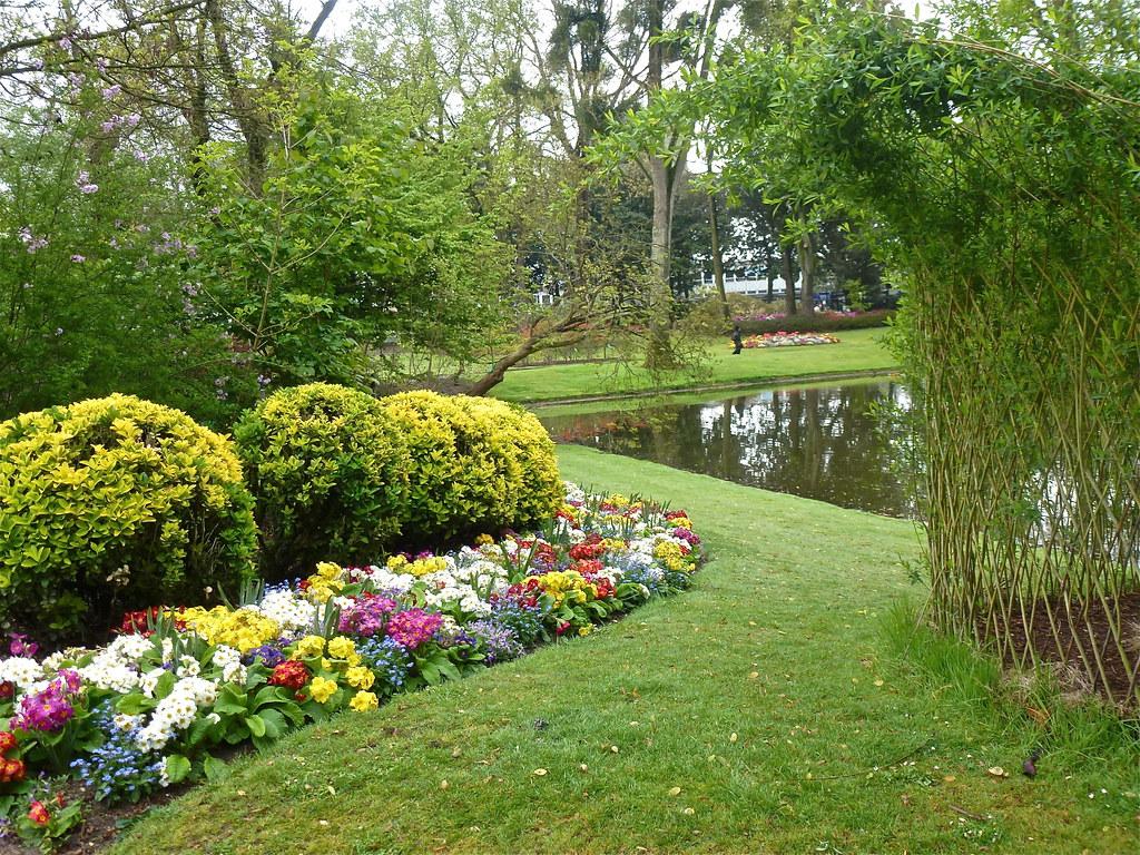 Le Jardin Des Plantes Nantes A 8h30 En Attendant L