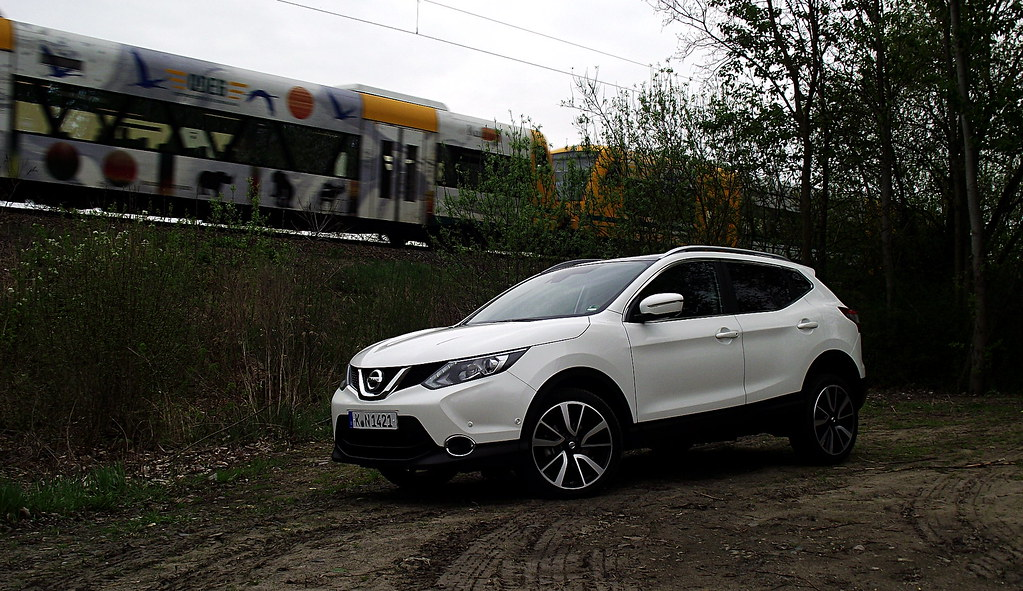 nissan qashqai 1 6 dci all mode 4x4i tekna qab pearl white flickr. Black Bedroom Furniture Sets. Home Design Ideas