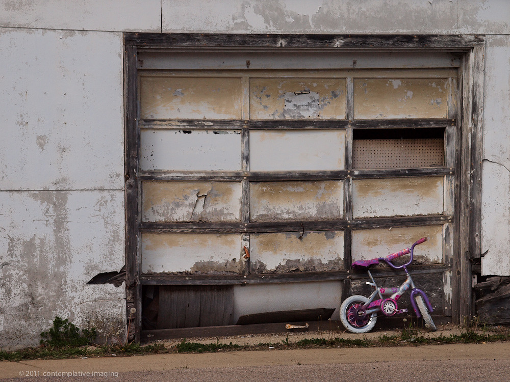 The garage and the barbie bike a little girl 39 s barbie for Garage new s villejuif