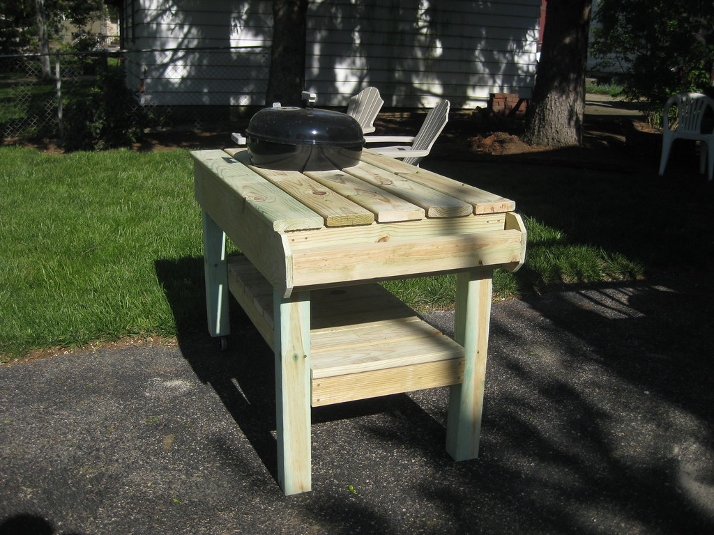Weber table initial build 1 built over easter weekend - Nettoyer grille barbecue weber ...