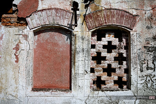 two_windows_01 | by alamond