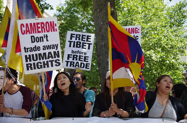 Tibet supporters protest in Whitehall, London | Flickr - Photo Sharing ...
