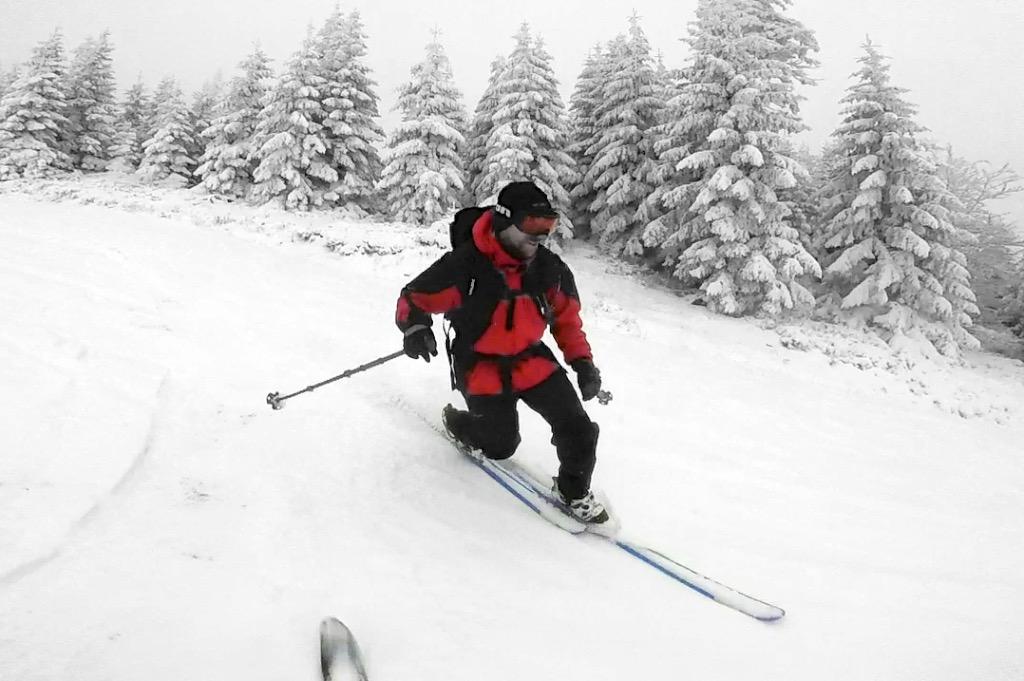 Rozjezd na přírodním sněhu je zprvu veselý
