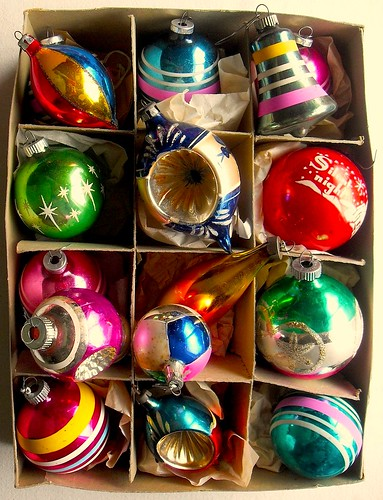 1940s - 1950s Vintage Christmas Ornaments SHINY BRITE BOX | by Christian Montone