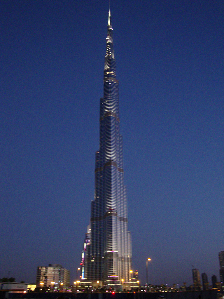 Burj Khalifa at dusk again | The Burj Khalifa as night