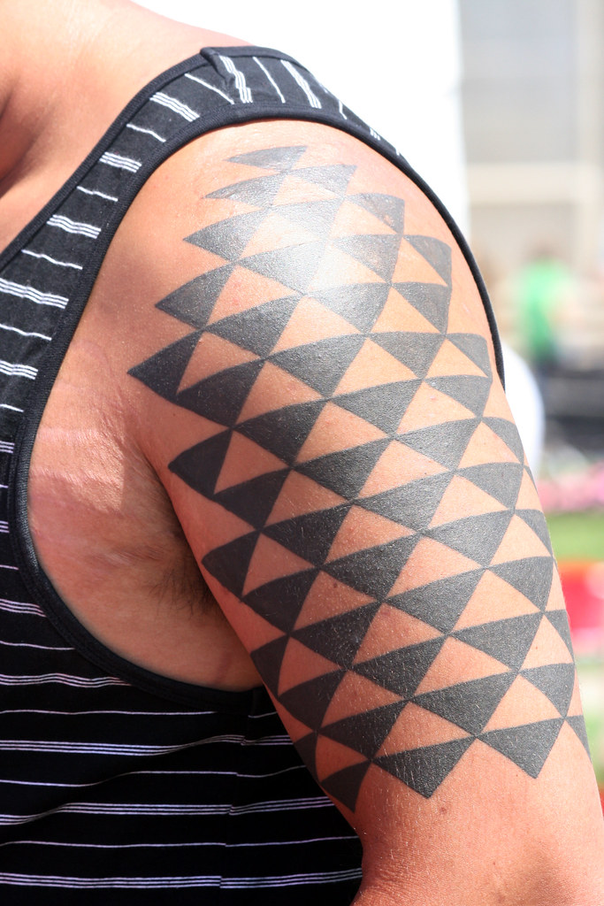hawaiian geometric tattoo sleeve photo by sherrie thai of flickr. Black Bedroom Furniture Sets. Home Design Ideas