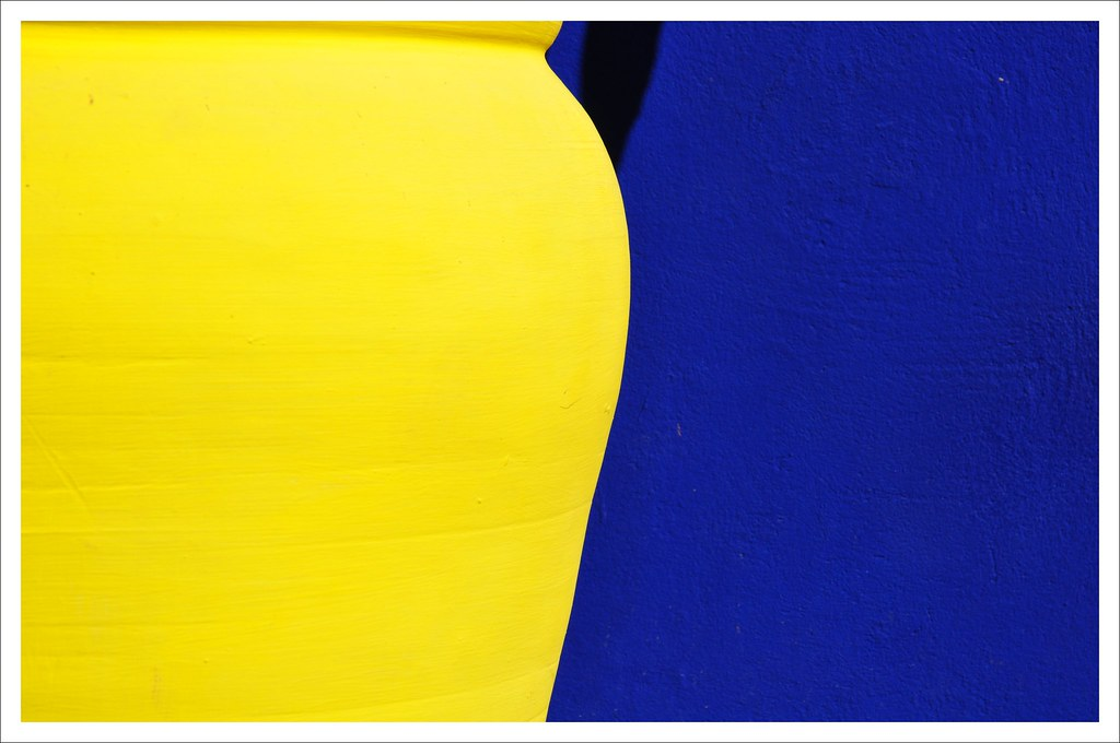 bleu majorelle et jaune de marrakech pour plus de photos flickr. Black Bedroom Furniture Sets. Home Design Ideas