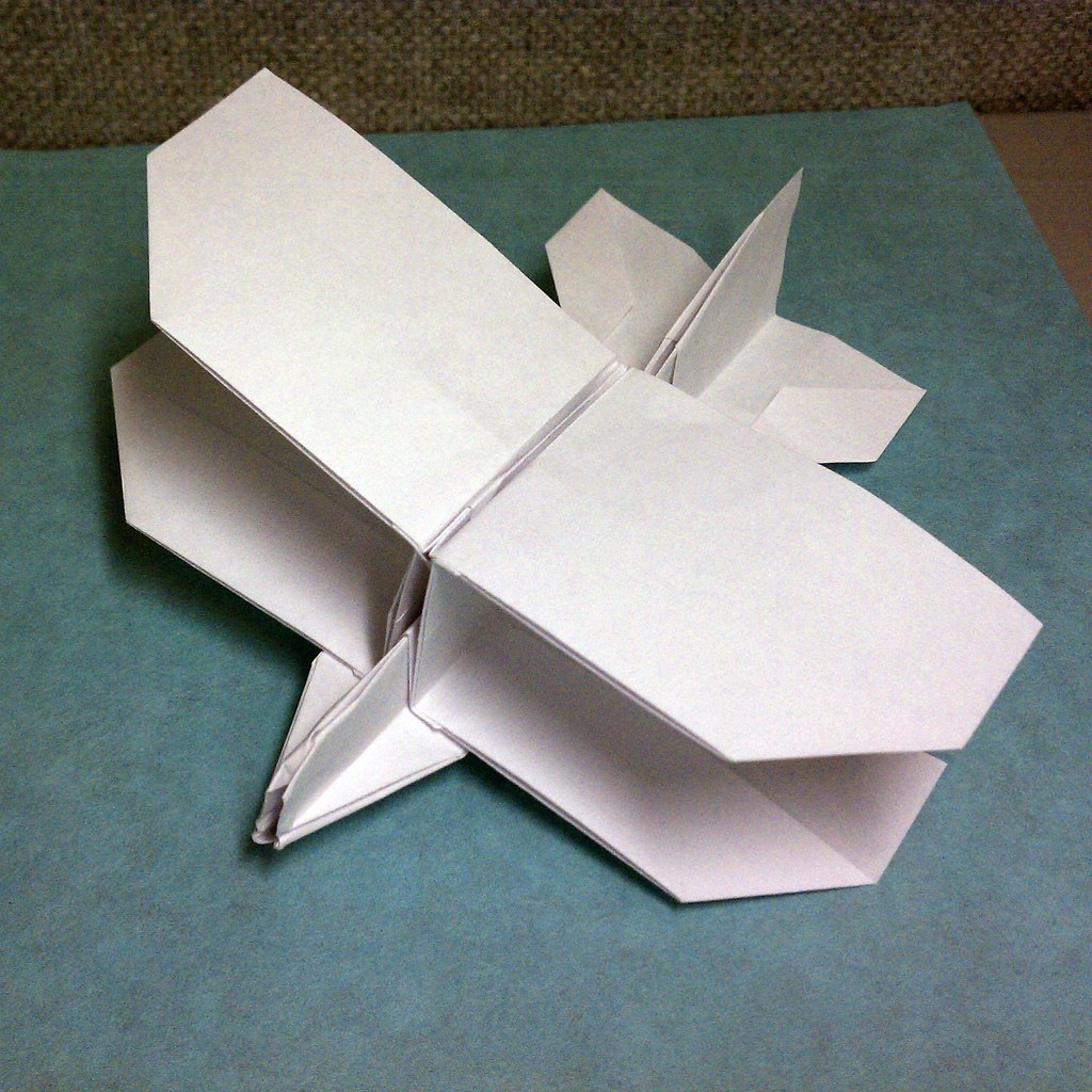 videos of toy planes with 5223986389 on 5223986389 also Planes Disney Flugzeuge 18 moreover Antique Toy Airplane further Decoracion Cenicienta Fiestas Infantiles moreover Lumiko Art Shape Collage II.