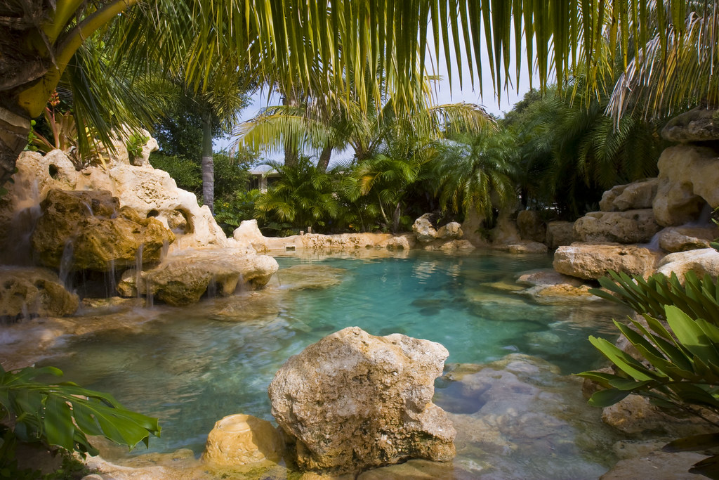 #7 Complete Outdoor Designs Of Swimming Pools