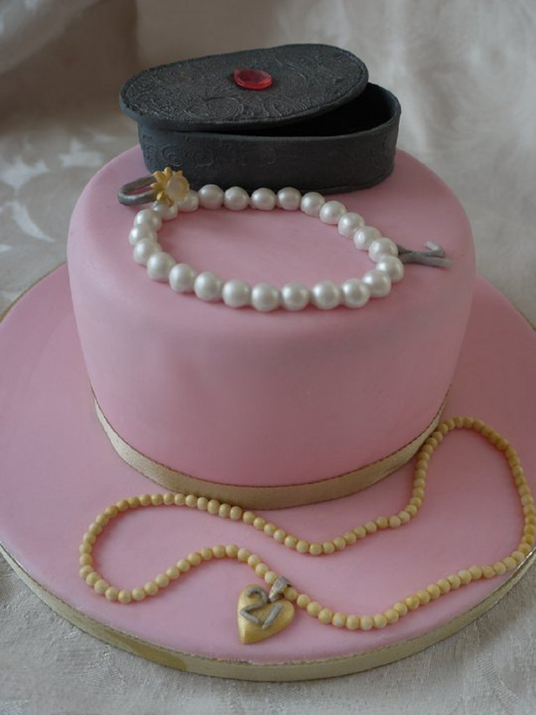 Jewelry Box Birthday Cake Ideas