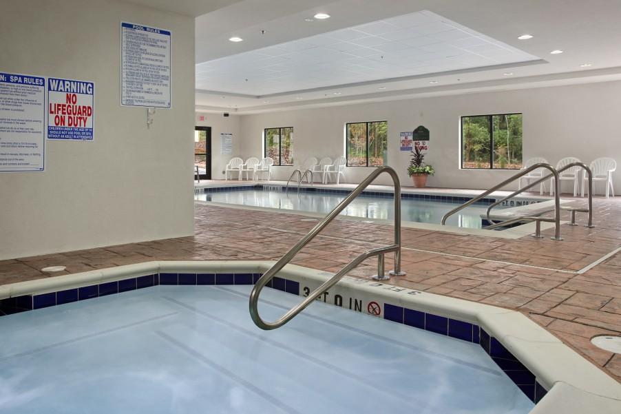 Indoor Pools Hotel Newark De Banquet Room