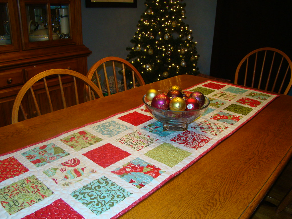 12 days of christmas table runner blogged jessica