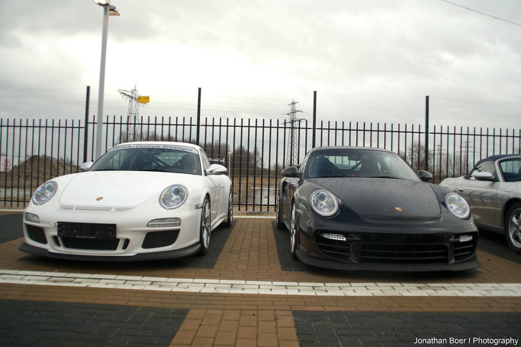 porsche 997 gt3 rs mkii vs gt2 rs what 39 s your choice gron flickr. Black Bedroom Furniture Sets. Home Design Ideas