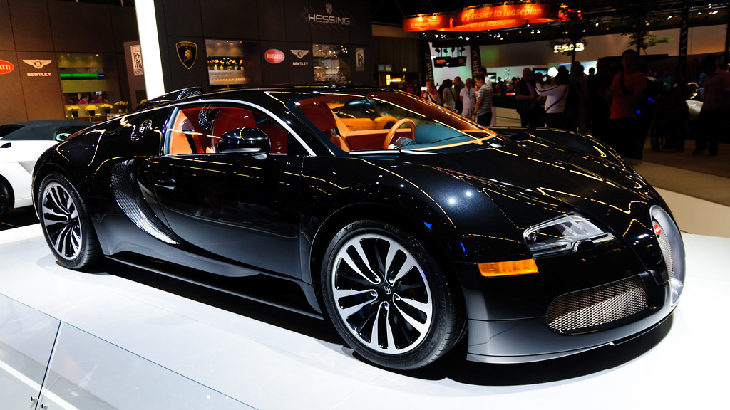 bugatti veyron pur sang noir a car with only one purpose. Black Bedroom Furniture Sets. Home Design Ideas
