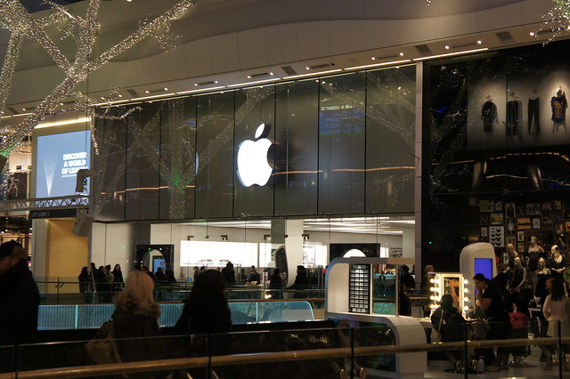 Apple Store At Westfield Mall In London Flickr Photo