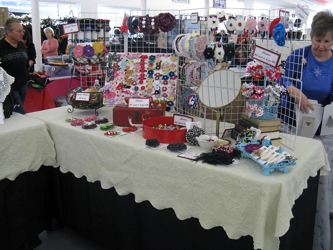 Troy elf shelf craft show booth i zip tie wire cube for Elf shelf craft show