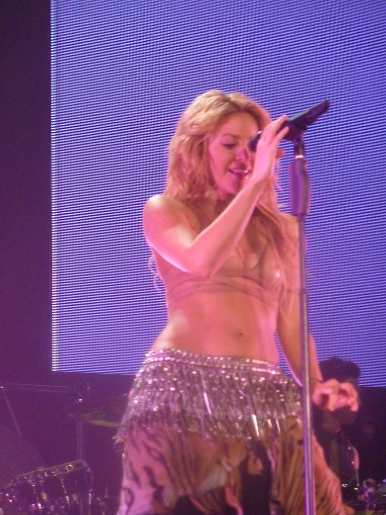 Shakira - Live Paris -... Shakira