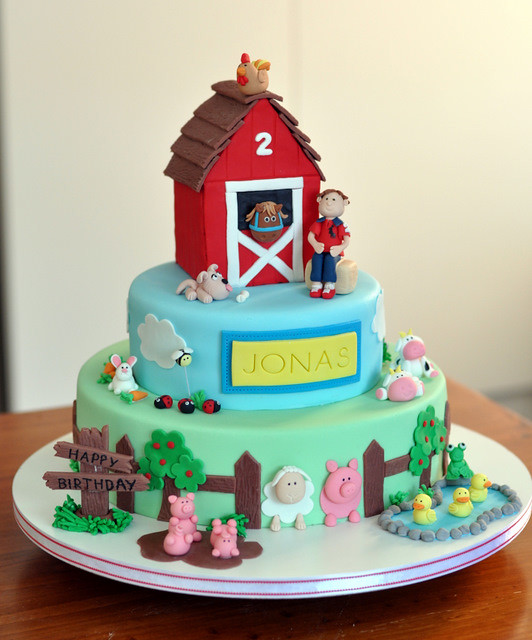 Farmyard Cake 12 Quot 8 Quot And 4 Quot Barnyard Cake The Birthday