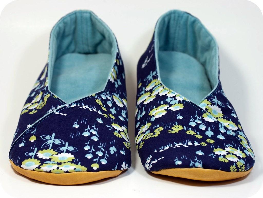 Kimono Shoes | Kimono style shoes. Pretty Joel Dewberry ...