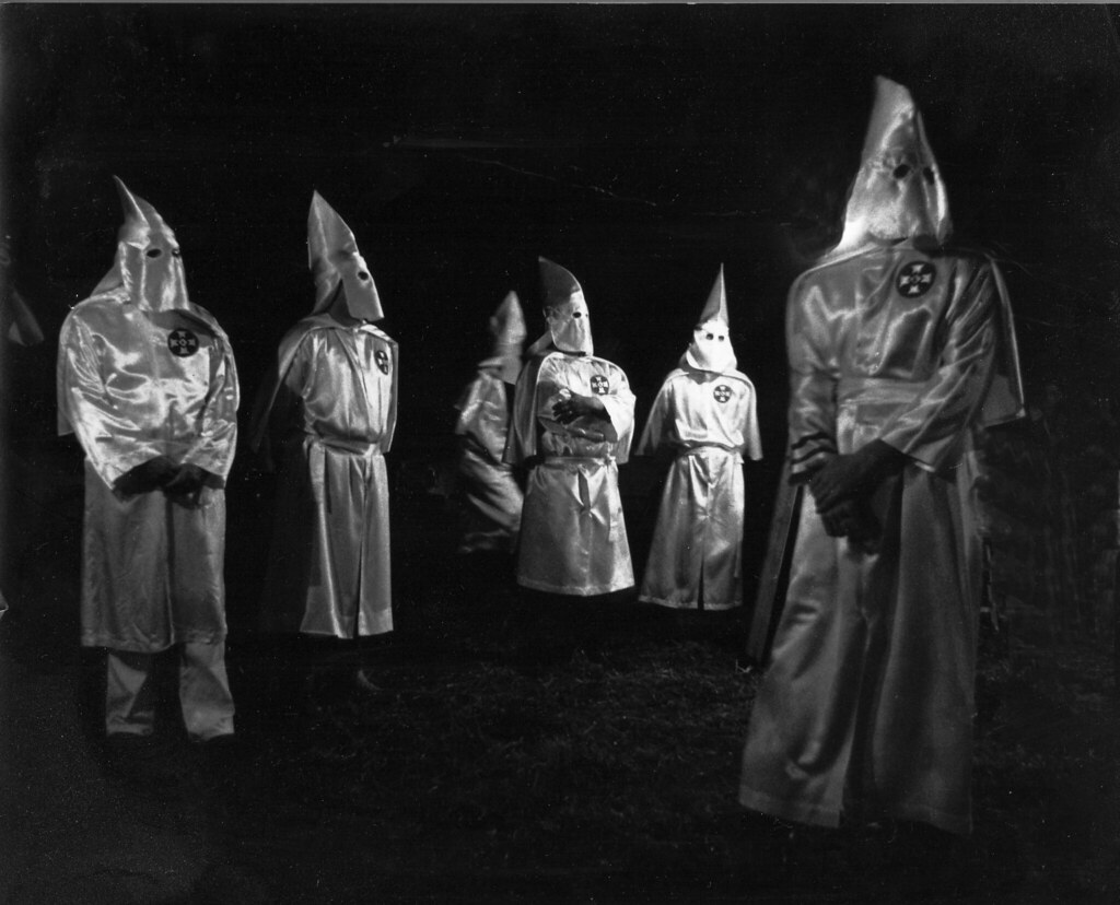 a paper on the history of the ku klux klan The historical significance of the ku klux klan essays 866 words | 4 pages the historical significance of the ku klux klan the ku klux klan organization is very important in history but unfortunately it was a bad group of people who where racist.