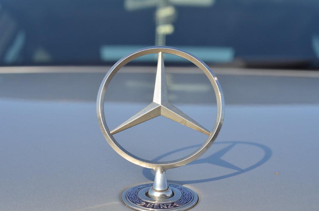 Mercedes benz hood ornament nikon d7000 nikon 50mm f 1 for Mercedes benz hood ornament