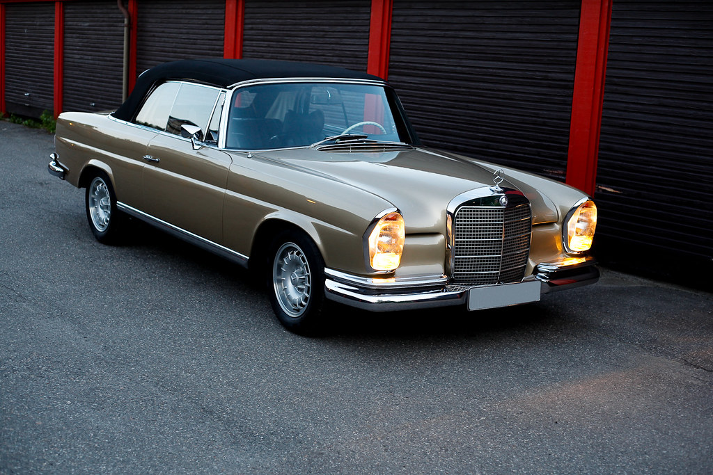 mercedes benz w111 280 se cabriolet shot in norway. Black Bedroom Furniture Sets. Home Design Ideas