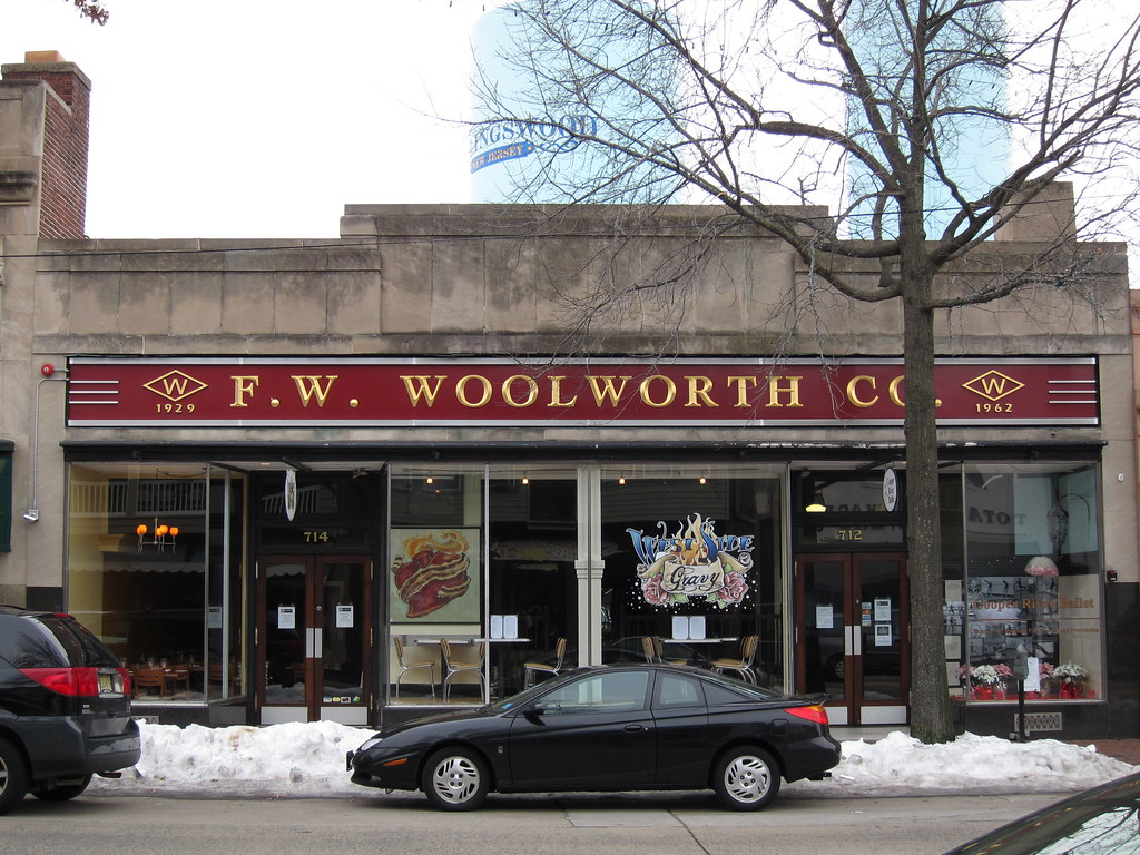 F. W. Woolworth Co. on Central Ave. in Albany. Taken by