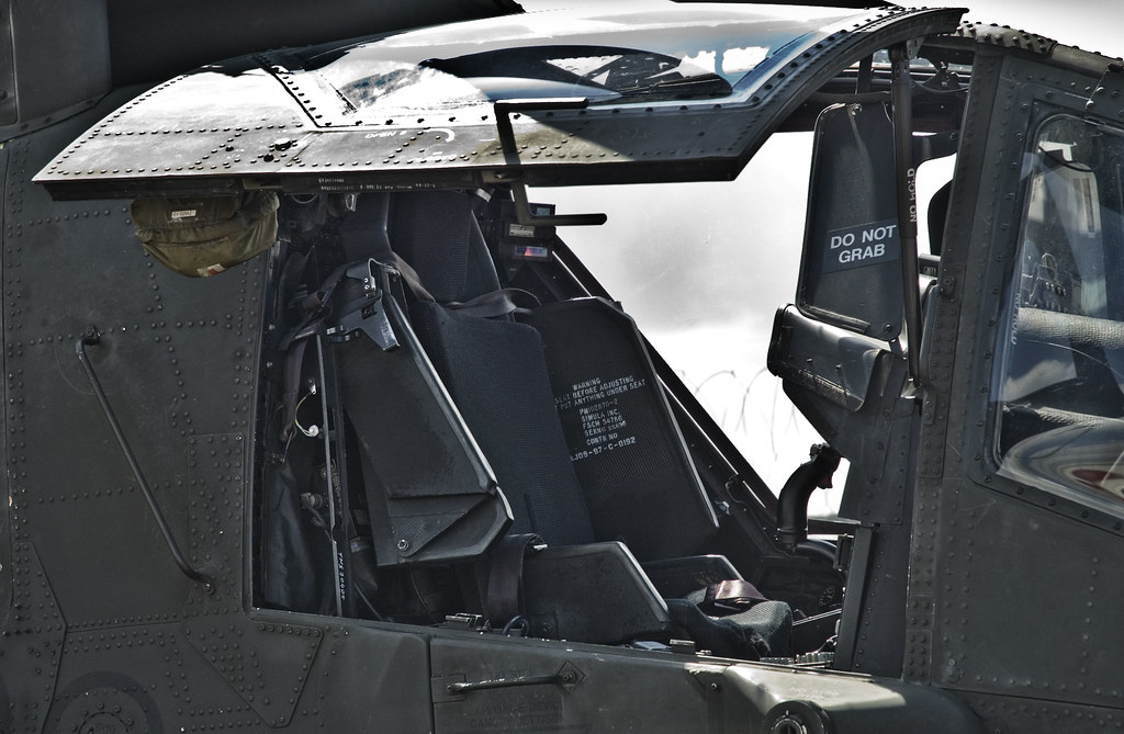 Ah64 Pilot Seat The Boeing Ah 64 Apache Is A Tandem Two