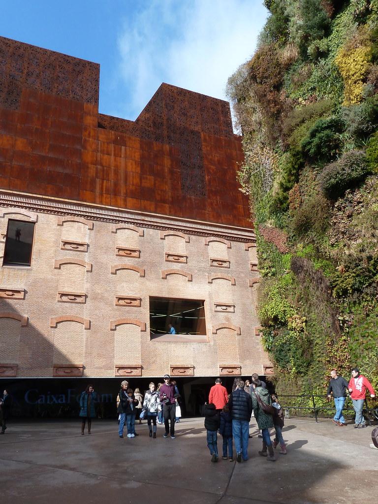 Entrada al caixaforum y jard n vertical ver art culo en for Jardin vertical caixaforum