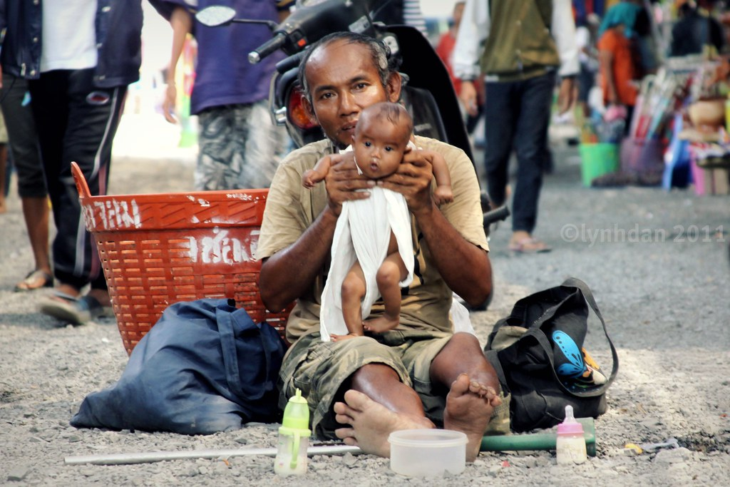 poverty in thailand Thailand, like some other countries, is facing several problems many are trivial some are significant or big i have reflected on the big problems, as a thai fellow, that i think are challenging the well-being of thailand in fact, a small-scale survey conducted by one of my students revealed that .