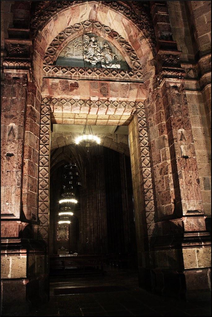 Puerta de entrada expiatorio la puerta de entrada al - Barnizar puerta de entrada ...