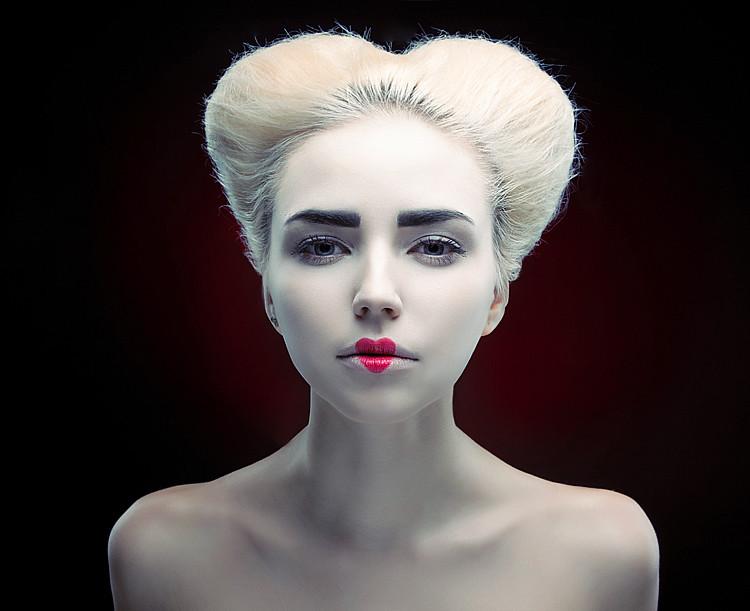 Make-up & Hairstyle: Liuba, Model: Lena