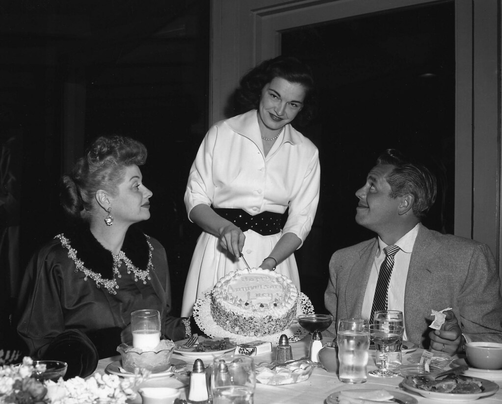 Lucy And Desi Arnaz Lucille Ball Amp Desi Arnaz Anniversary Dinner In Palm Sprin