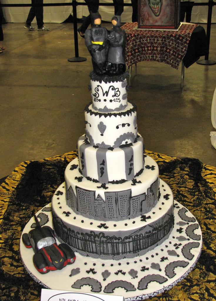 Batman and Catwoman Wedding Cake by Yolanda Jones Showcake Flickr