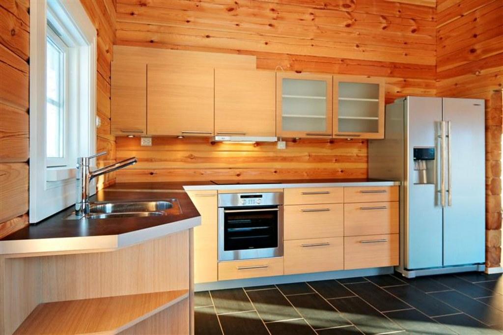 Interieur foto van een keuken in een houten huis chalet o flickr - Houten chalet interieur ...