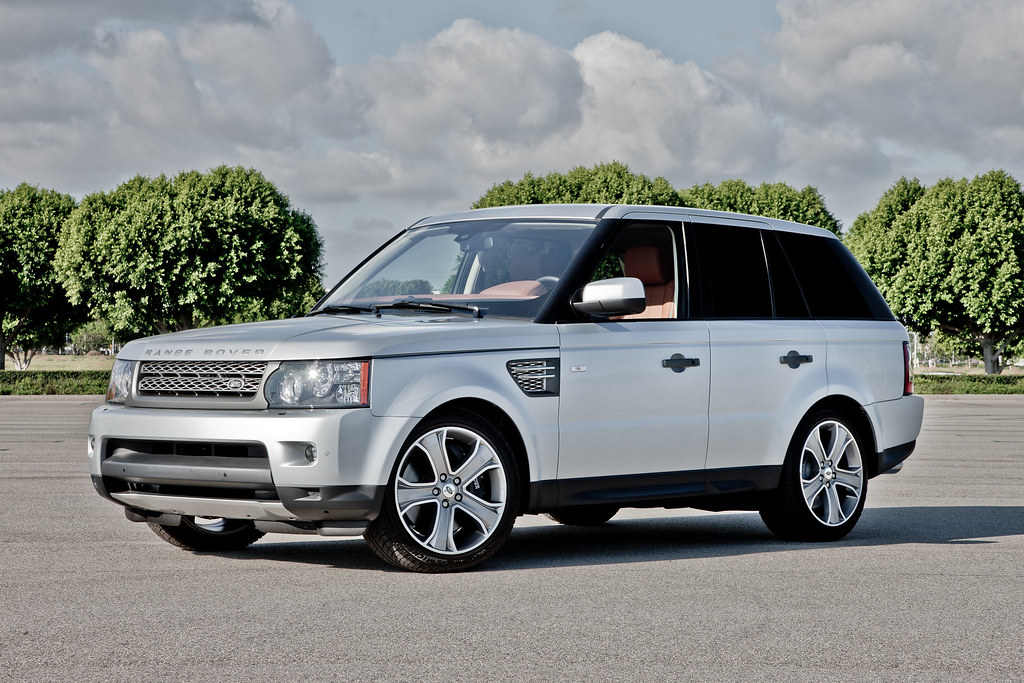 2011 range rover sport supercharged front 3 4 view of. Black Bedroom Furniture Sets. Home Design Ideas
