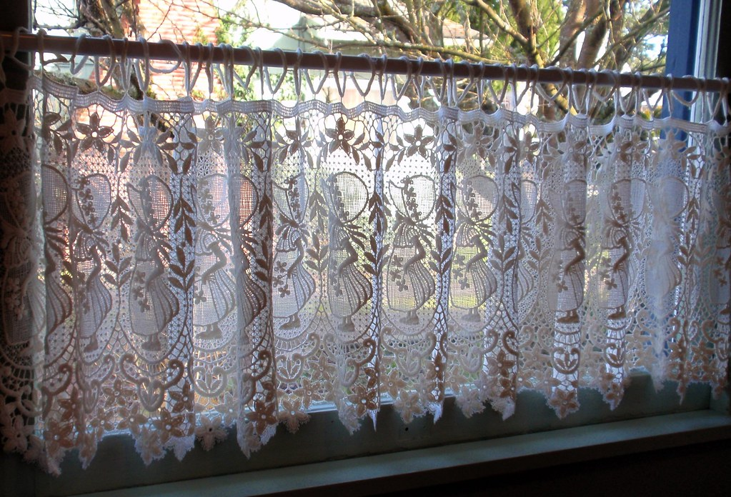 Dutch lace curtains in dining room window these were my for Window in german