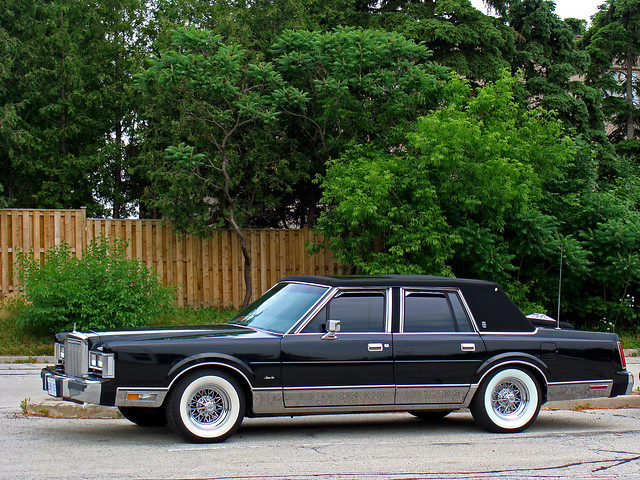 Kyv6ck additionally 5536557924 besides 2005 Mercury Grand Marquis Pictures C2749 additionally 1987 in addition 1997 Cadillac Deville Pictures C1502 pi36001883. on 1985 lincoln town car