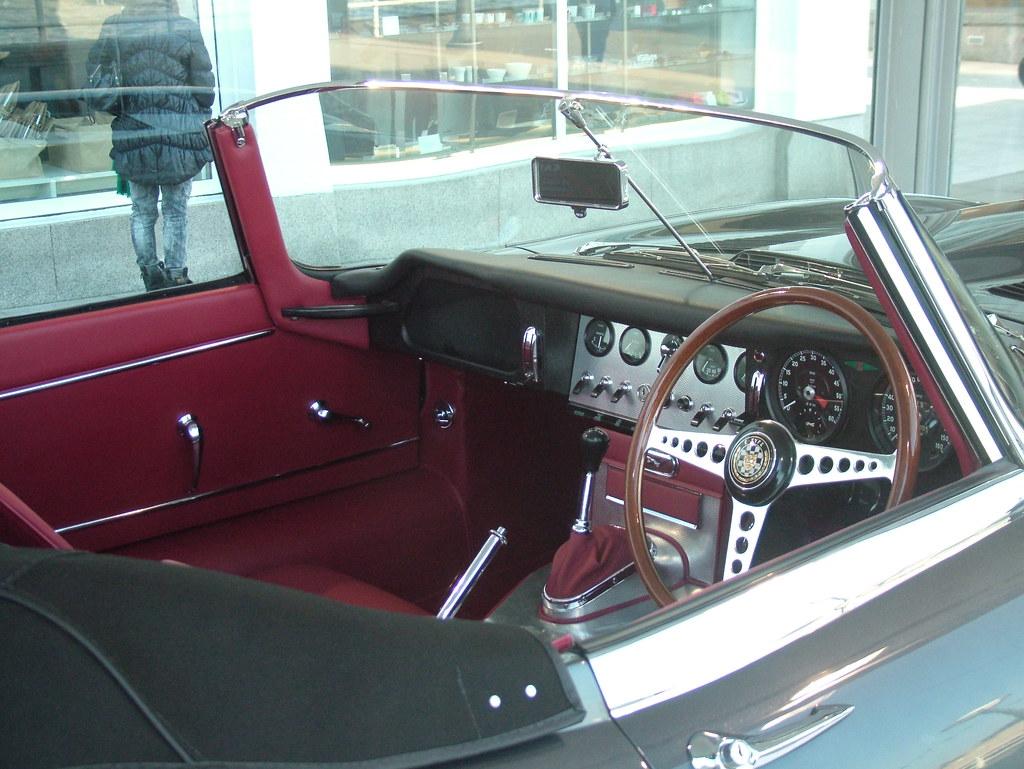 E-Type dash | 1961 Jaguar E-Type series 1 in the Design