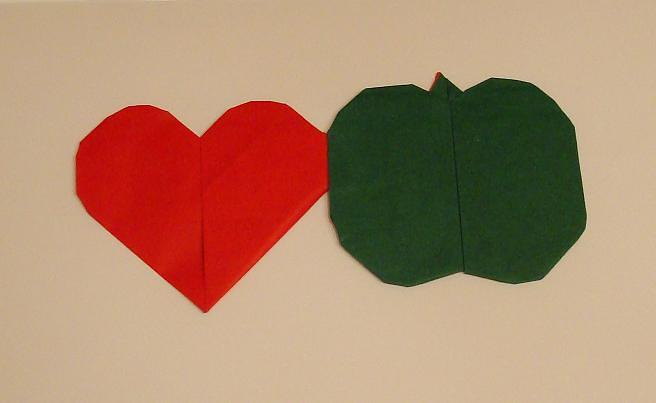 origami herz apfel aus einem zweifarbigen origami blatt f flickr. Black Bedroom Furniture Sets. Home Design Ideas
