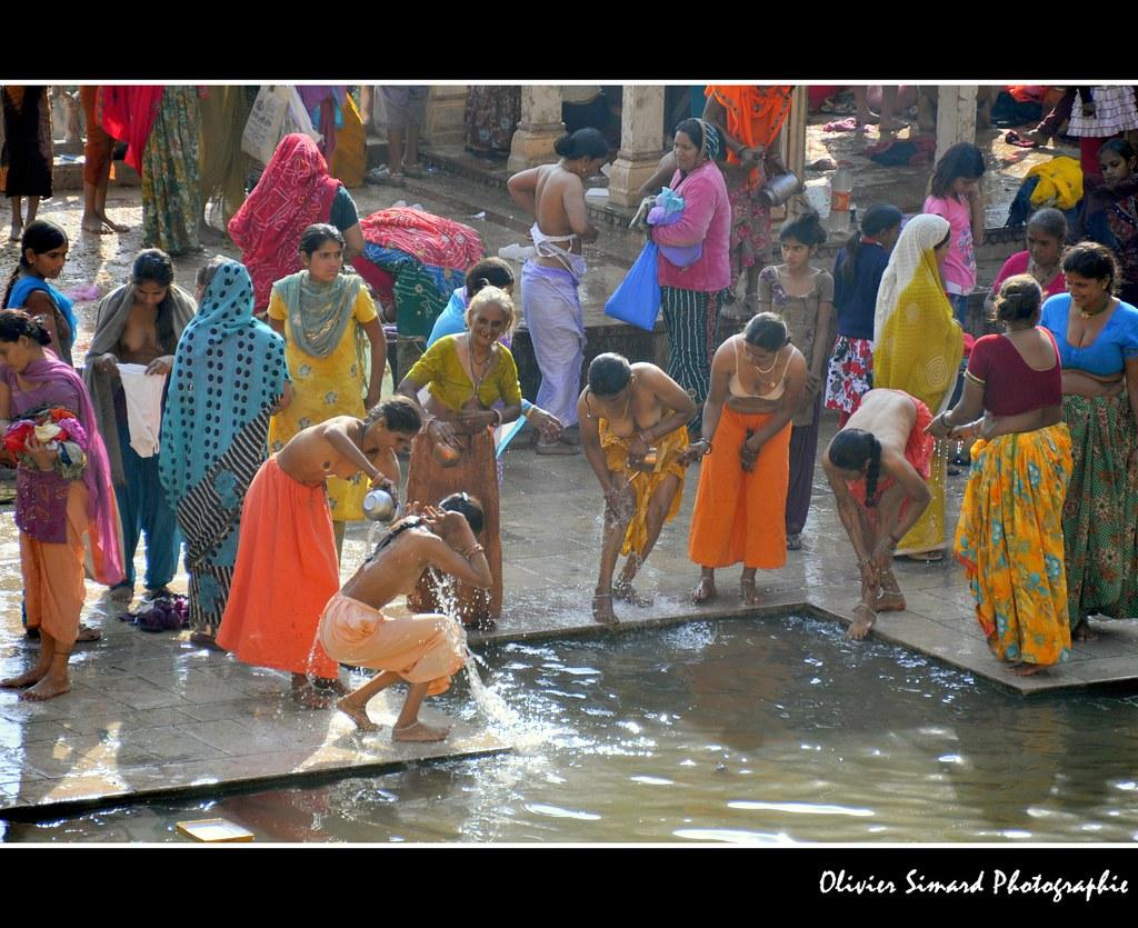 Femmes Au Temple De Galta  Women At Galta Temple  Pour -2743