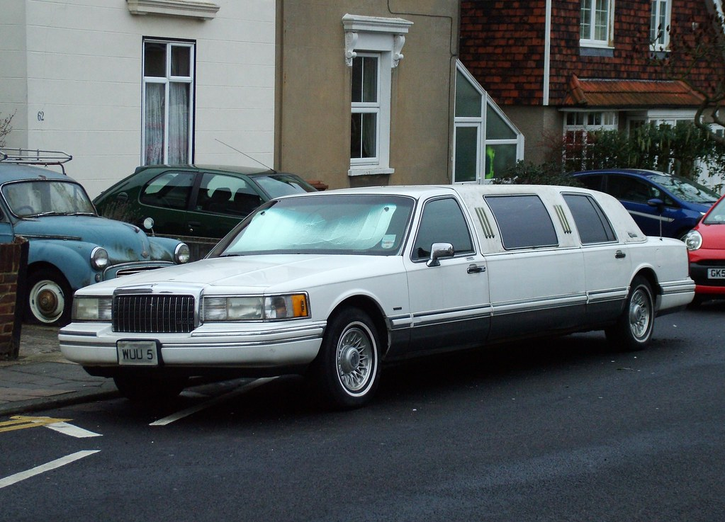 lincoln town car limo 1994 lincoln town car limousine 4 6l flickr. Black Bedroom Furniture Sets. Home Design Ideas