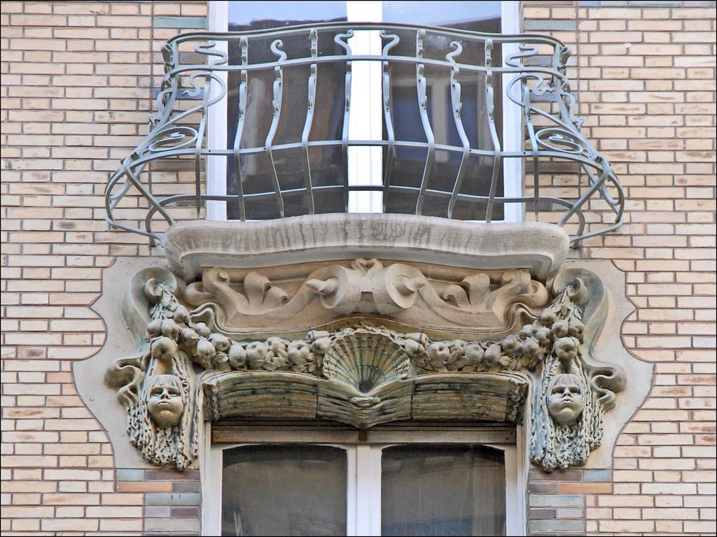 Balcon d 39 un immeuble art nouveau de jules lavirotte flickr for Balcon in english
