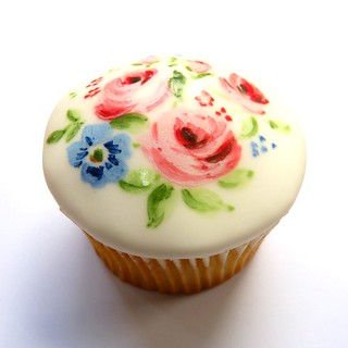 Mother's Day Cupcake | by neviepiecakes
