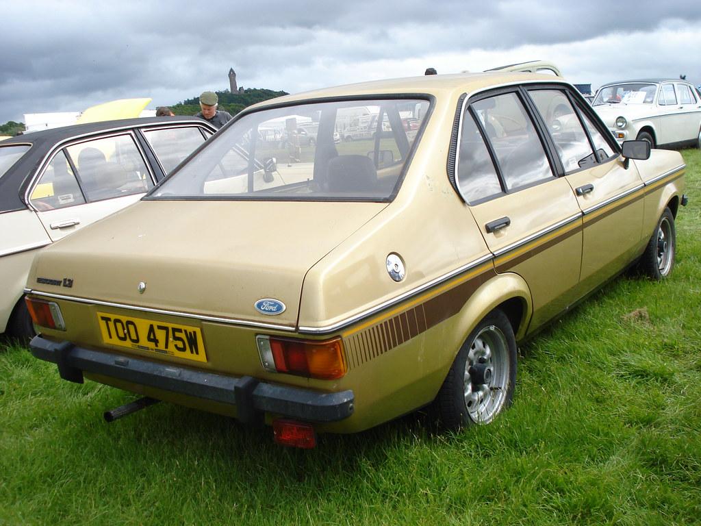1980 ford escort 1 3 both front and rear number plates. Black Bedroom Furniture Sets. Home Design Ideas