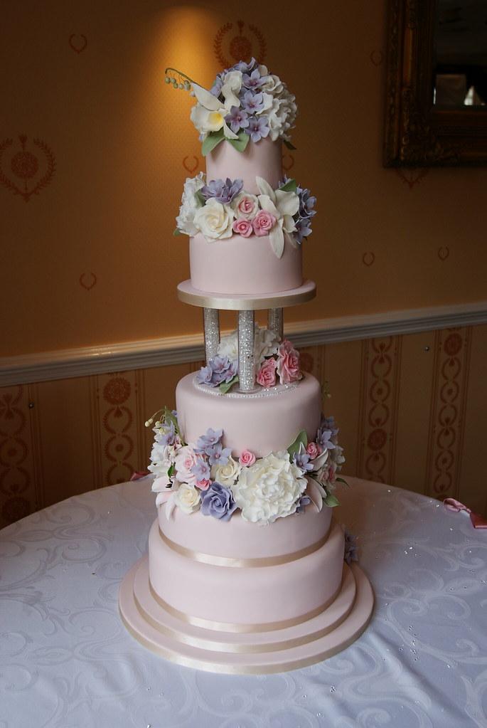 sugar flower wedding cake all the sugar flowers are handma flickr. Black Bedroom Furniture Sets. Home Design Ideas