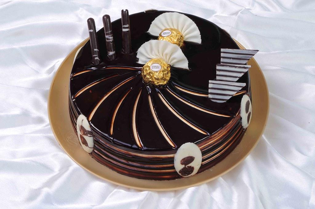 Cake With Photo Monginis : Ferrero Rocher Cake