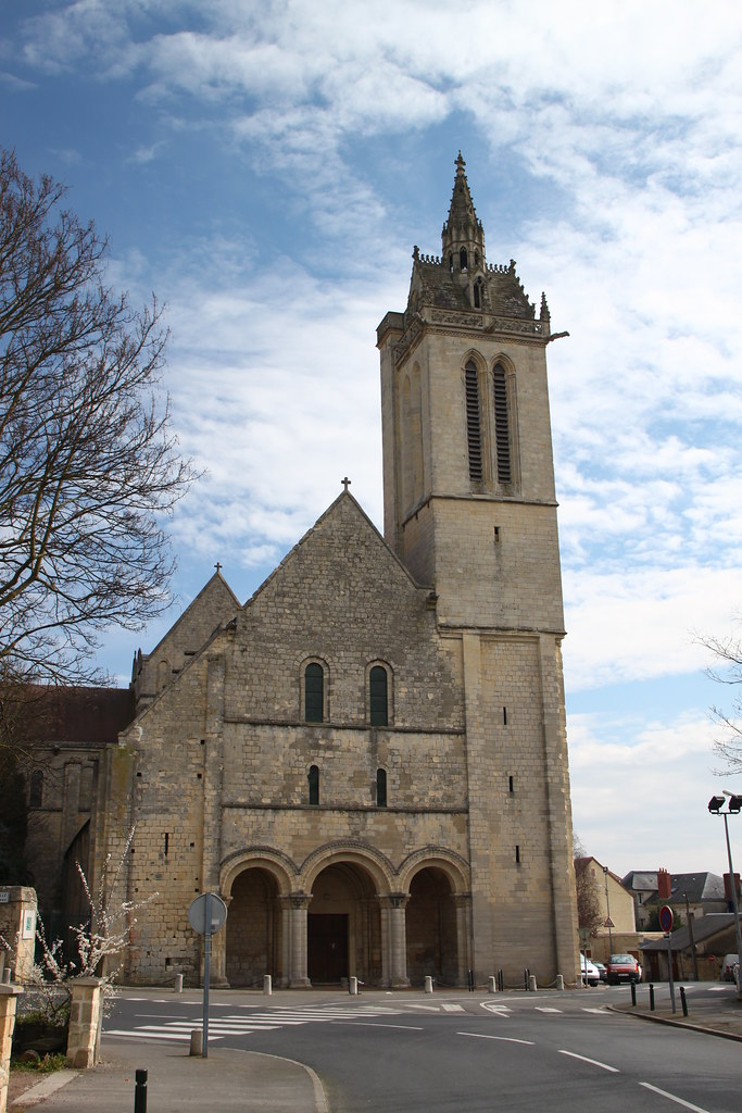 Eglise saint nicolas caen eglise romane saint nicolas for Eglise romane exterieur